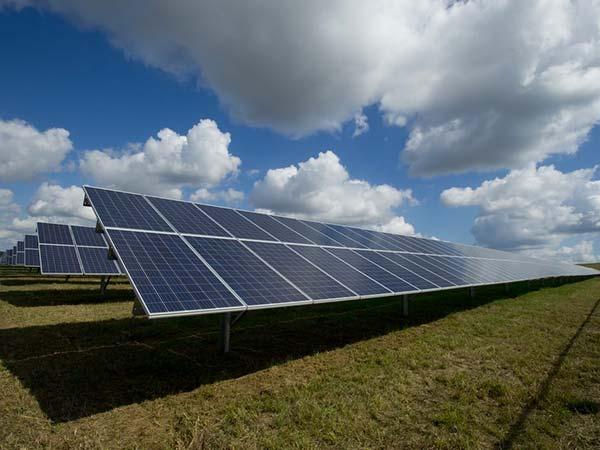 Autorizzazioni-impianti-fotovoltaici-per-aziende-bologna