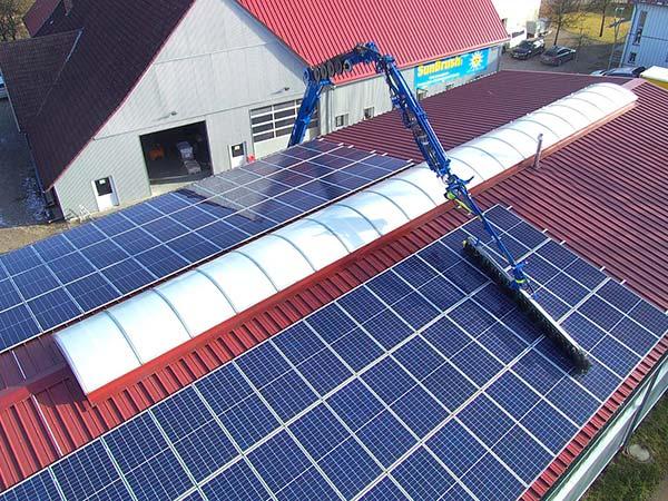 Ditta-pulizia-pannelli-solari-modena