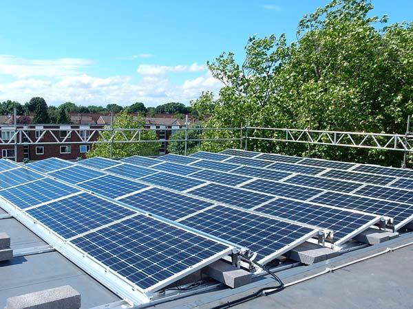 Impianti-fotovoltaici-per-capannone-bologna