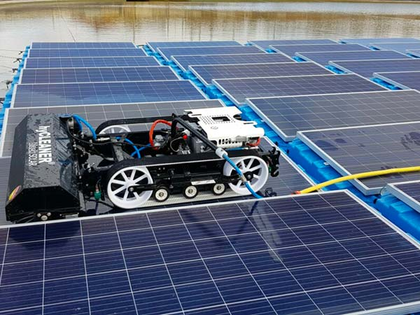 Pulizia-pannelli-solari-copertura-industriale-bologna