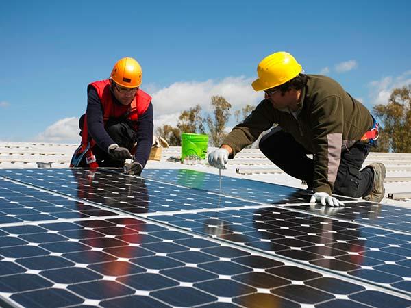 Riqualificazione-energetica-posa-fotovoltaico-modena